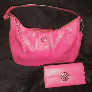 COACH Fuchsia leather Hobo bag and wallet